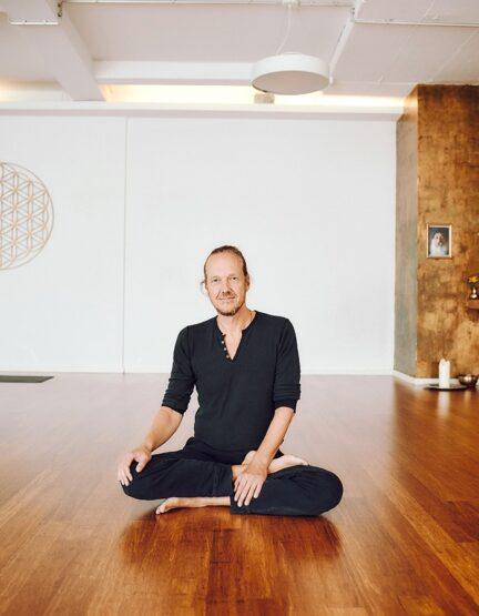 Luitpoldblock, Patrick Broome Yoga