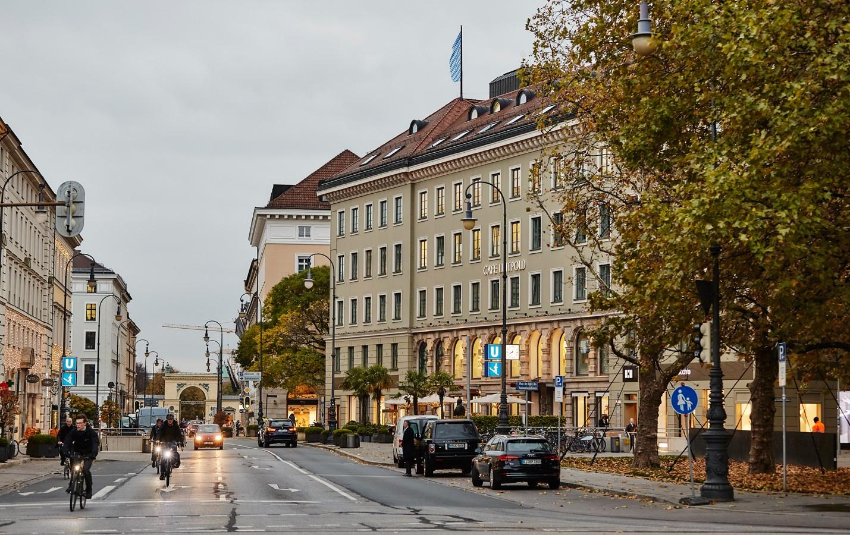 Luitpoldblock, Brienner Straße