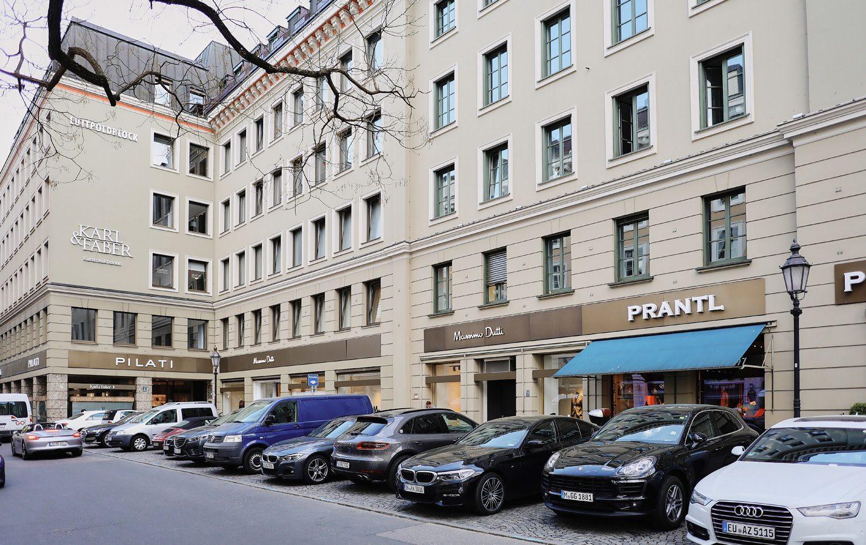 Luitpoldblock, Amiraplatz