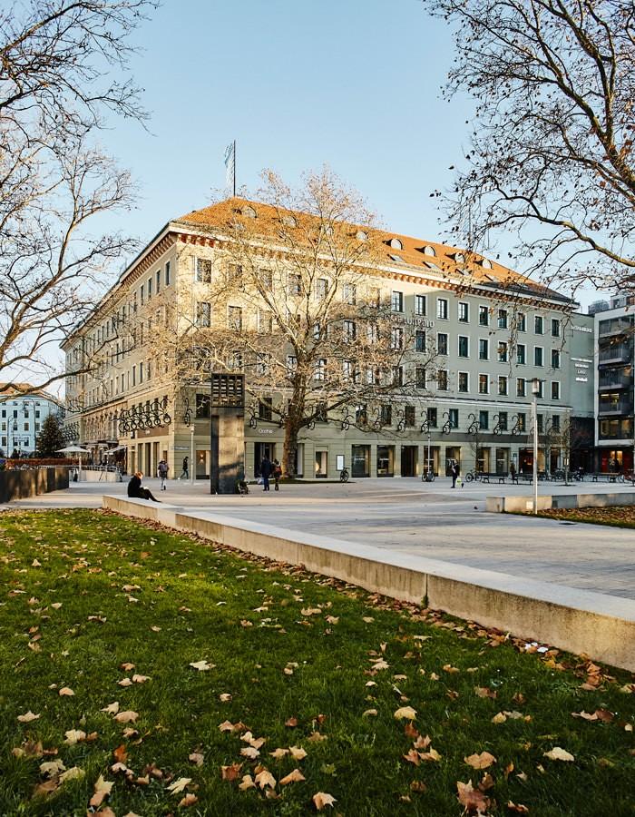 Luitpoldblock, Maximiliansplatz